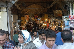 Packed bazaar, Tehran (SMoughadam, Flickr)