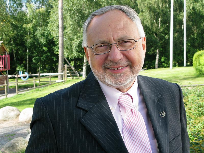 Dr Terence Ascott