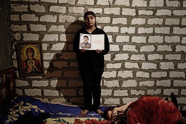Fifi with her father, Majed's photograph (c) Jonathan Rashad