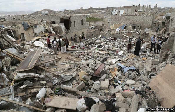 Buildings destroyed by air strikes in Yemen (Thomas Glass/ICRC)