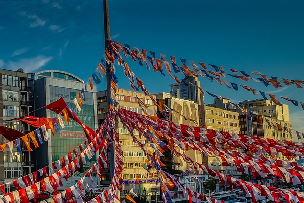 Election flags May 2015 (Leticia Barr @TechSavvyMamma/Flickr Commons)