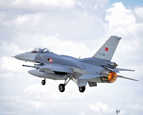 Turkish Air Force F-16: Turkey launched air strikes against IS and PKK groups in July (Pic: UK Ministry of Defence)