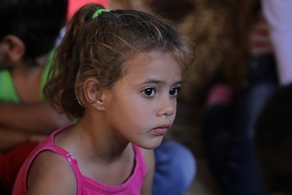 Child refugee in Lebanon (SAT-7 ARABIC)