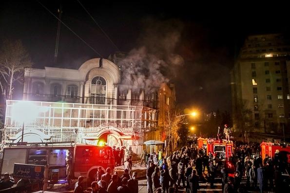 Tehran: Saudi embassy in flames (c) Mohammed Reza Nadimi/EPA/Corbis Images)