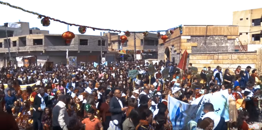 Iraqi believers parade through Qaraqosh on Easter Sunday 2019